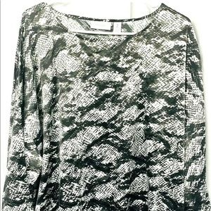 Chico's size 2 blouse black and gray short sleeves